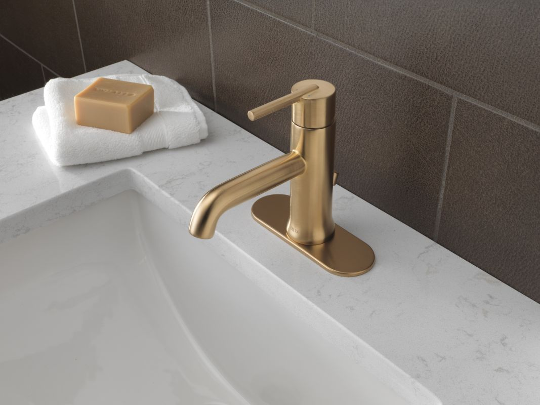 Popular One Handle Gold Chrome Finish Brass Bathroom Faucets 2013