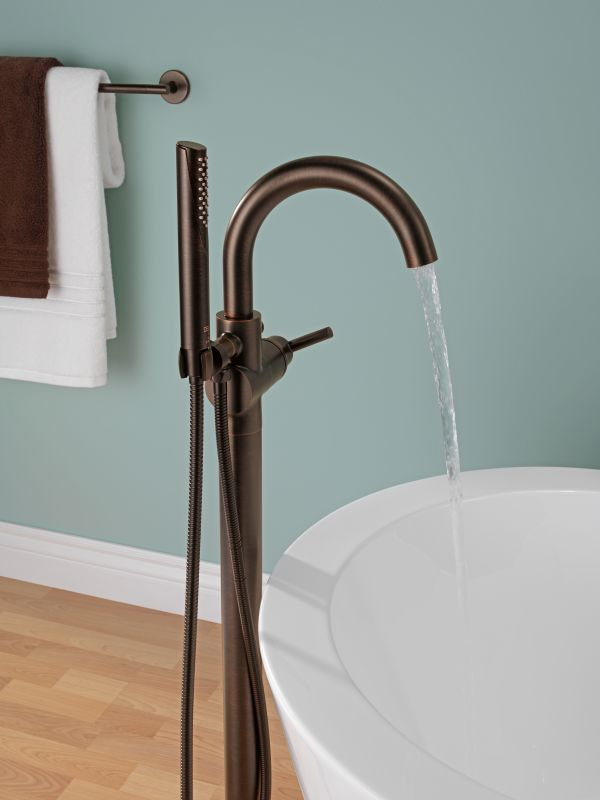 Faucet Com T4759 Ssfl In Brilliance Stainless By Delta